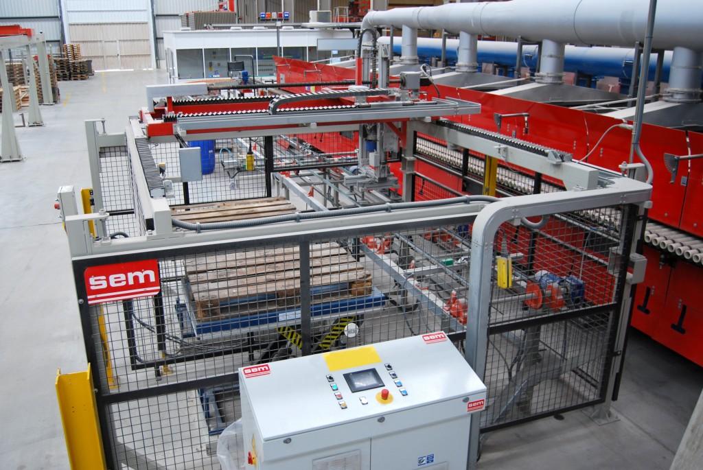 SEM reinventa la máquina de emergencia para salida de hornos cerámicos que ahorra costes y evita bajas laborales
